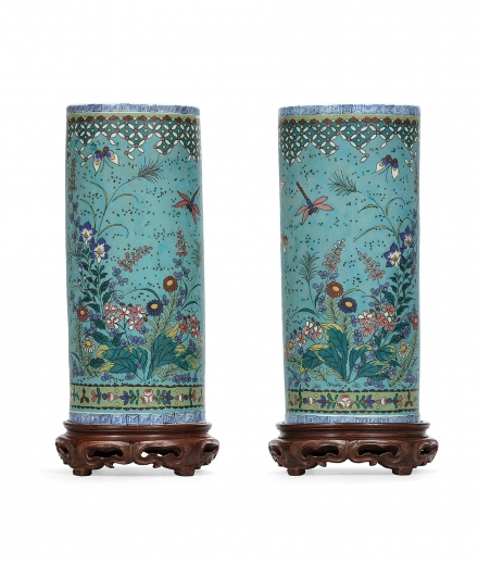 A PAIR OF GINBARI CLOISONNÉ ENAMEL 'FLOWER AND BUTTERFLY' HAT STANDS